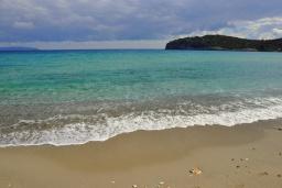 Пляж Вулисма в Айос Николасе