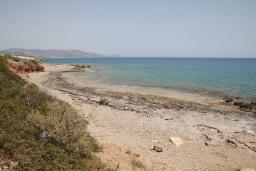 Пляж Маврос Колимбос в Айос Николасе