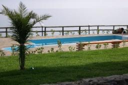 Бассейн. Греция, Превели : Прекрасная вилла с бассейном и видом на море, 50 метров до пляжа, 2 спальни, 2 ванные комнаты, парковка, Wi-Fi