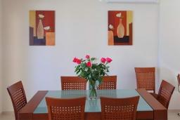 Обеденная зона. Греция, Ретимно : Роскошная пляжная вилла с бассейном и игровой комнатой, 6 спален, 4 ванные комнаты, парковка, Wi-Fi