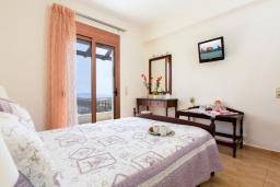 Спальня 2. Греция, Превели : Прекрасная вилла с бассейном и зеленым двориком, 2 спальни, барбекю, парковка, Wi-Fi
