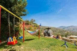 Территория. Греция, Превели : Прекрасная вилла с бассейном и зеленым двориком, 2 спальни, барбекю, парковка, Wi-Fi