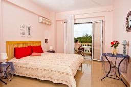 Спальня 3. Греция, Ретимно : Шикарная вилла с большим бассейном и зеленым двориком с барбекю, 5 спален, 5 ванных комнат, парковка, Wi-Fi