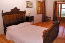 Спальня 2. Греция, Аделе : Шикарная вилла с бассейном и зеленым двориком с барбекю, 3 спальни, 3 ванные комнаты, парковка, Wi-Fi