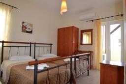 Спальня 2. Греция, Коккино Хорио : Прекрасная вилла с бассейном и двориком с барбекю, 2 спальни, 2 ванные комнаты, парковка, Wi-Fi