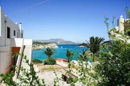 Вид на море. Греция, Коккино Хорио : Прекрасная вилла с бассейном в 50 метрах от моря, 4 спальни, 3 ванные комнаты, барбекю, парковка, Wi-Fi