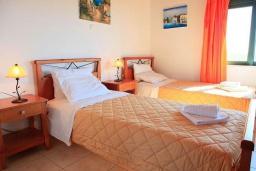 Спальня 2. Греция, Каливес : Роскошная вилла с бассейном и шикарным видом на море, 150 метров до пляжа, 2 спальни, 2 ванные комнаты, барбекю, парковка, Wi-Fi