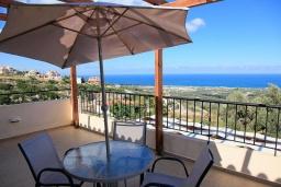 Балкон. Греция, Аделе : Шикарная вилла с бассейном и видом на море, 3 спальни, 2 ванные комнаты, зеленый сад, барбекю, парковка, Wi-Fi