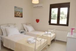 Спальня 3. Греция, Скалета : Роскошная вилла с бассейном и зеленым двориком с барбекю, 5 спален, 3 ванные комнаты, парковка, Wi-Fi