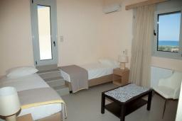 Спальня 3. Греция, Аделе : Современная вилла с бассейном и видом на море, 3 спальни, 2 ванные комнаты, барбекю, парковка, Wi-Fi