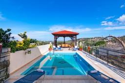 Бассейн. Греция, Скалета : Роскошная вилла с бассейном и двориком, 6 спален, 4 ванные комнаты, патио, барбекю, парковка, Wi-Fi