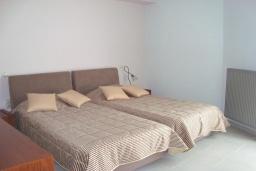 Спальня 2. Греция, Киссамос Кастели : Апартамент в комплексе с бассейном, с просторной гостиной, тремя спальнями, двумя ванными комнатами и балконом