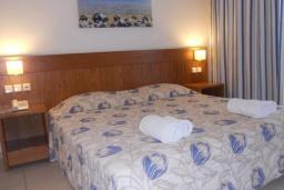 Студия (гостиная+кухня). Греция, Платаньяс : Прекрасная студия в комплексе с бассейном и пляжем