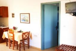 Студия (гостиная+кухня). Греция, Каливес : Прекрасная студия в комплексе с бассейном