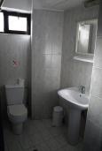 Ванная комната. Греция, Миртос : Апартамент в комплексе с бассейном, с гостиной, отдельной спальней и балконом