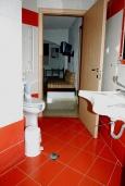 Ванная комната. Греция, Миртос : Апартамент в комплексе с бассейном, с гостиной, двумя спальнями, двумя ванными комнатами и балконом