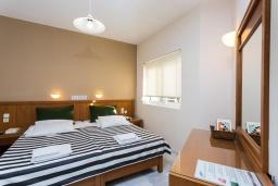 Спальня 2. Греция, Скалета : Апартамент в комплексе с бассейном, с гостиной, двумя спальнями и балконом с видом на море