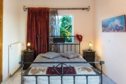 Спальня 2. Греция, Ретимно : Прекрасный апартамент с гостиной, тремя спальнями, двумя ванными комнатами, балконом с видом на море
