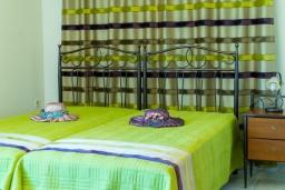 Спальня 3. Греция, Ретимно : Прекрасный апартамент с гостиной, тремя спальнями, двумя ванными комнатами, балконом с видом на море