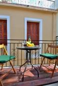 Балкон. Греция, Ретимно : Улучшенная студия с балконом в 100 метрах от пляжа