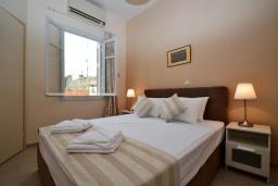 Спальня 2. Греция, Ретимно : Роскошная апартамент с гостиной, тремя спальнями, двумя ванными комнатами и балконом