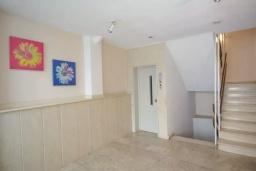 Коридор. Греция, Айос Николас : Апартамент в 30 метрах от пляжа, с гостиной, отдельной спальней и балконом