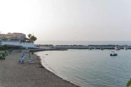 Ближайший пляж. Греция, Панормо : Апартамент в 50 метрах от пляжа, с гостиной, отдельной спальней и балконом с видом на море