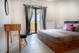 Спальня. Греция, Ханья : Уютная вилла с двориком и барбекю, 3 спальни, парковка, Wi-Fi