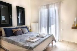 Спальня 2. Греция, Ханья : Уютная вилла с двориком и барбекю, 3 спальни, парковка, Wi-Fi