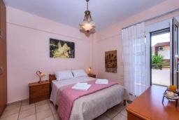 Спальня. Греция, Ретимно : Апартамент с гостиной, двумя спальнями и большим балконом