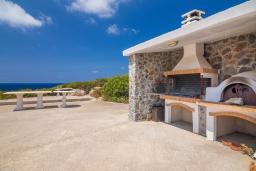 Территория. Греция, Ханья : Роскошная вилла с с шикарным видом на море, с 6 спальнями, с бассейном, барбекю и патио