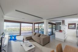 Гостиная. Греция, Киссамос Кастели : Роскошная современная вилла с прекрасным видом на море, с 5 спальнями, с бассейном, патио и барбекю