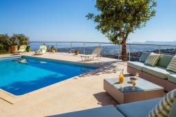 Бассейн. Греция, Аделе : Роскошная вилла с захватывающим видом на Эгейское море, с 4 спальнями, с большим бассейном, патио, бильярдом и барбекю