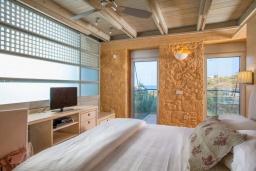 Спальня 2. Греция,  Ханья : Современная вилла с бассейном, джакузи и видом на море, 3 спальни, 3 ванные комнаты, барбекю, парковка, Wi-Fi