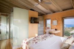Спальня 3. Греция,  Ханья : Современная вилла с бассейном, джакузи и видом на море, 3 спальни, 3 ванные комнаты, барбекю, парковка, Wi-Fi