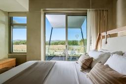 Спальня. Греция, Киссамос Кастели : Роскошная пляжная вилла с бассейном и приватной территорией, 5 спален, 5 ванных комнат, парковка, Wi-Fi