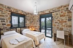 Спальня 2. Греция, Амудара : Прекрасная вилла с бассейном и джакузи, 2 спальни, барбекю, парковка, Wi-Fi