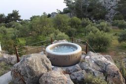 Территория. Греция, Амудара : Уютная вилла с бассейном, джакузи, барбекю, парковкой, Wi-Fi