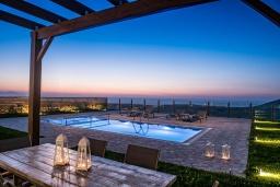 Бассейн. Греция, Панормо : Прекрасная вилла с бассейном и видом на море, 2 спальни, 2 ванные комнаты, парковка, Wi-Fi
