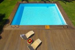 Бассейн. Греция, Ретимно : Роскошная вилла с бассейном и зеленым двориком с барбекю, 5 спален, 2 ванные комнаты, парковка, Wi-Fi