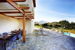 Территория. Греция, Ретимно : Роскошная вилла с бассейном и двориком с барбекю, 6 спален, 2 ванные комнаты, парковка, Wi-Fi
