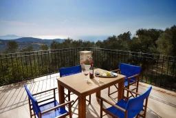 Балкон. Греция, Превели : Роскошная вилла с бассейном и двориком с барбекю, 2 спальни, 2 ванные комнаты, парковка, Wi-Fi